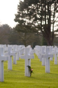 American War Cemetary - Remembering by tienvijftien (cc) (from Flickr)