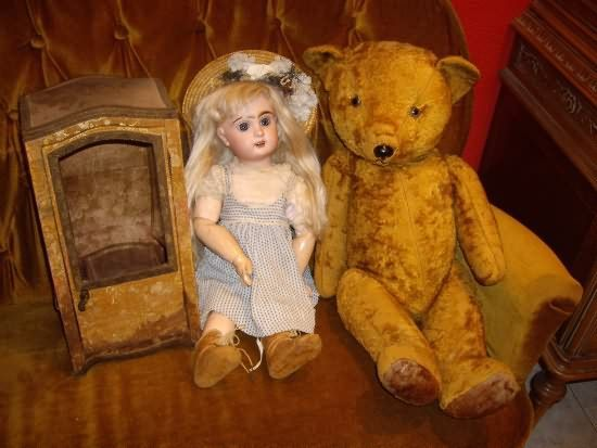 teddy-bear-antique-doll