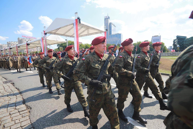 【波蘭生活】815波蘭軍人節|真是每個都帥到掉渣啊!