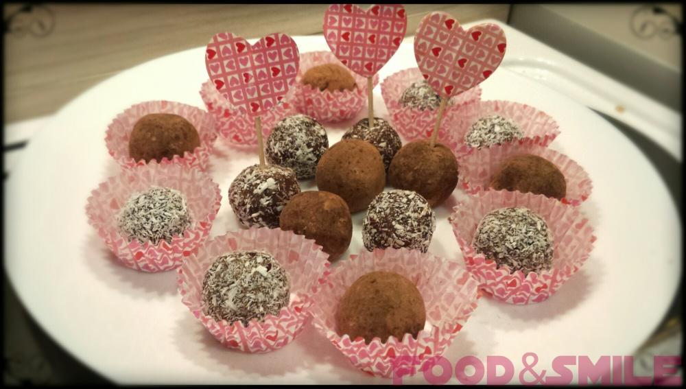 Сурови бонбони от ядки и сушени плодове