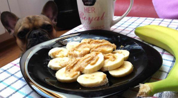 Банани със сусамов тахан и мед