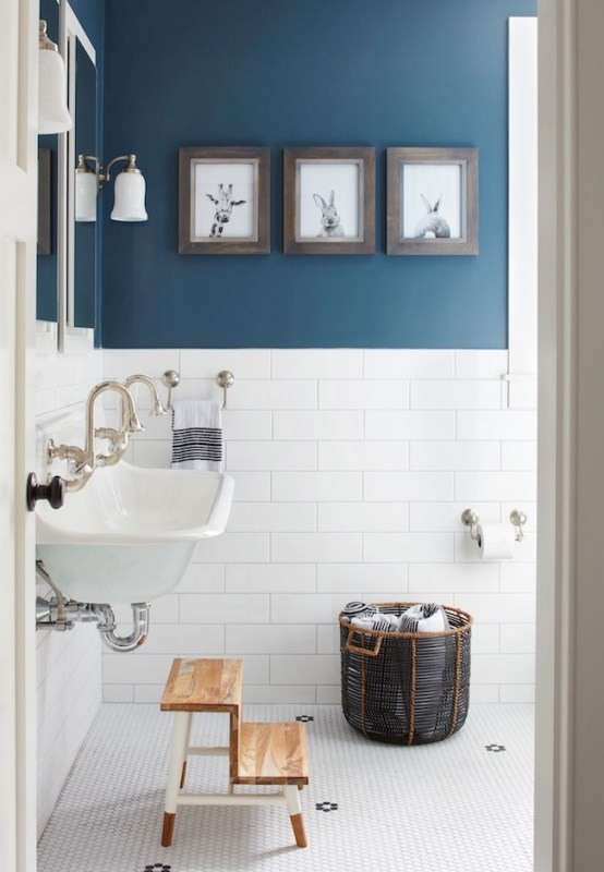 Blue and white bathroom via Jacquelyn Clark