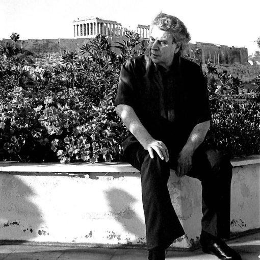 Mikisakropolis.jpg