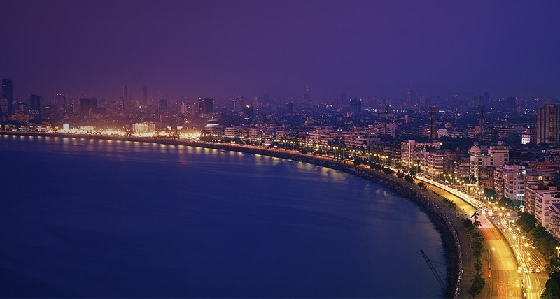 MUMBAI-MARINE-DRIVE-TODAY-EVENING-VIEW-FROM-SOUTH-SIDE-NARIMAN-POINT-TO-NORTH