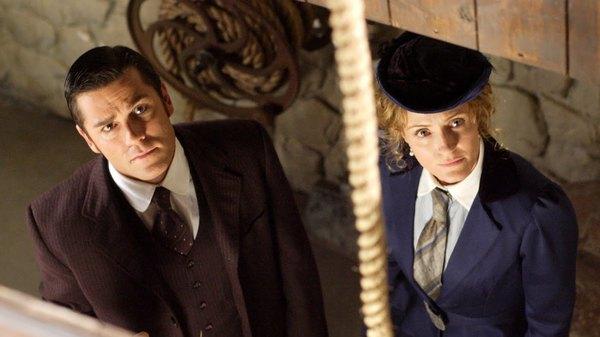 Murdoch Mysteries - Raised on Robbery