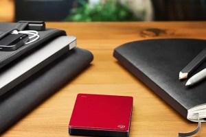 backup-plus-slim-red-table-570x570