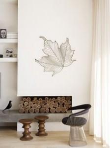 porta-legna-il-camino-diventa-portalegna-decorativo-nei-mesi-in-cui-non-viene-usato-224x300
