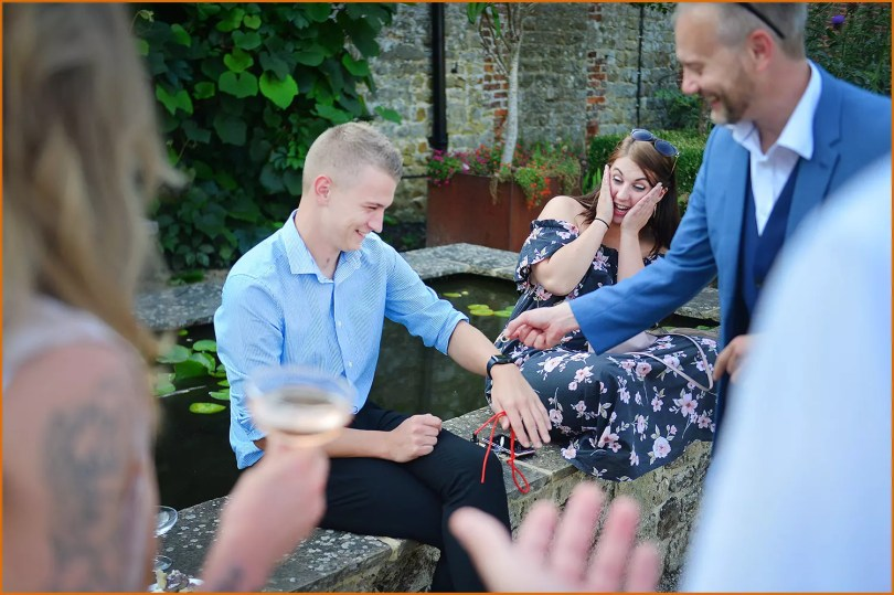 Marlow Magician performs to amazed couple