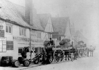 1880's Dray outside Griffin Pub in Caversham