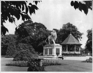 Maiwand Lion war memorial, Reading 1950