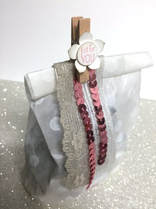 Stampin' Up! Sketched Dots Gift Bag - www.simonebartrum.com