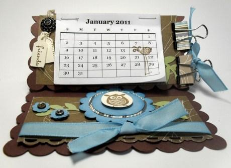 Square Scallop Easel Calendar