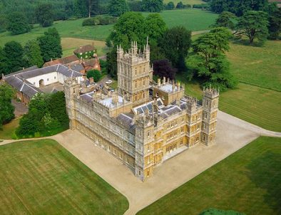 https://i1.wp.com/simonecorami.com/wordpress/wp-content/uploads/2015/12/Highclere_Castle_H_1580597a.jpg?resize=394%2C302