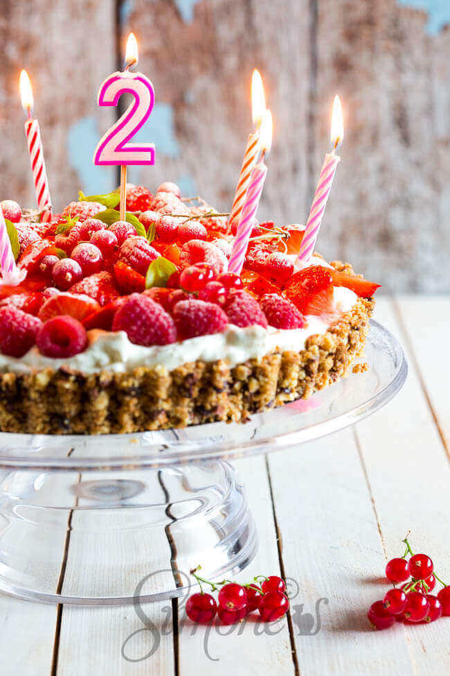 Feestje met aardbeien roomtaart | simoneskitchen.nl