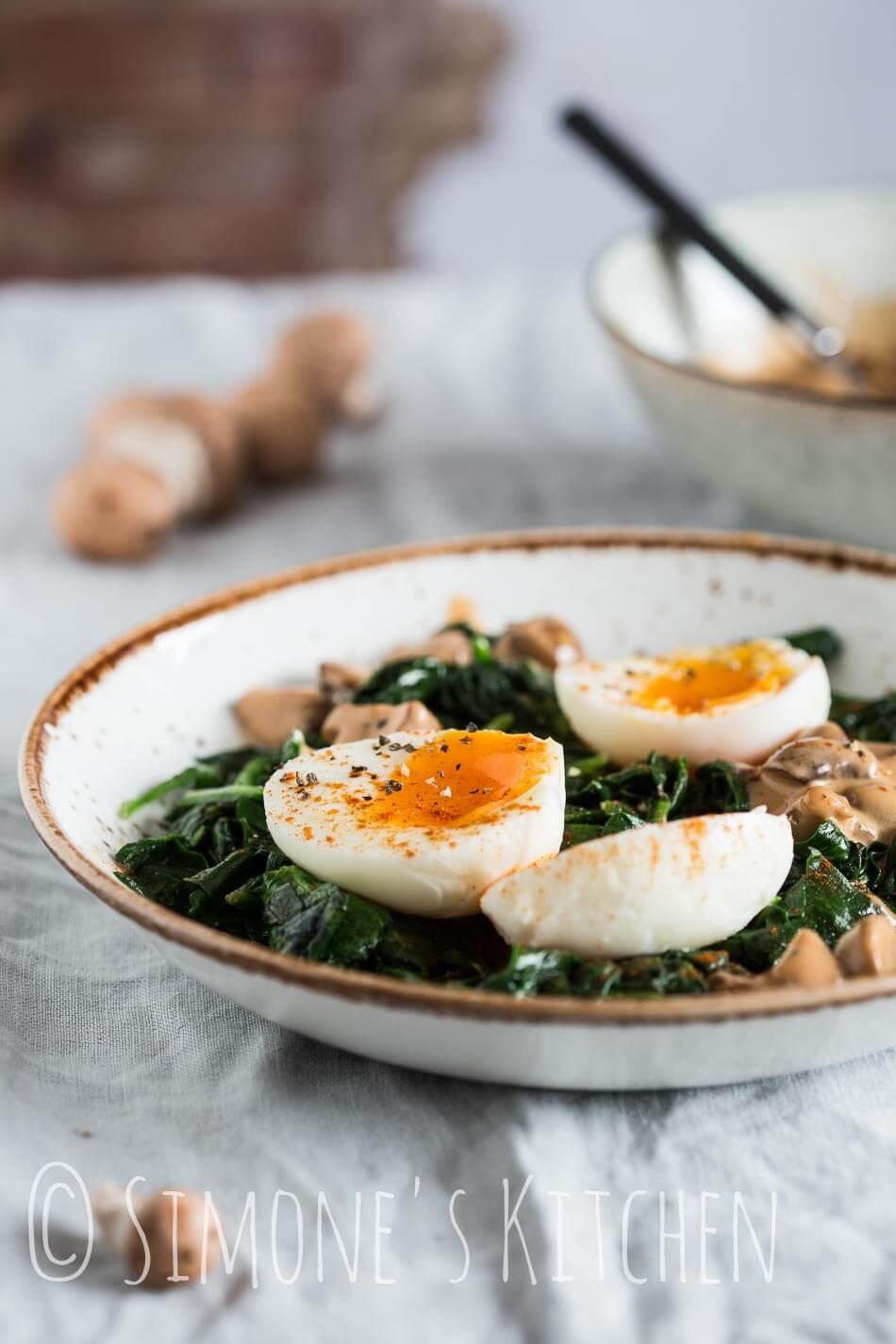 Spinazie met eieren en champignons   simoneskitchen.nl