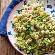 Broccolisalade met kalkoen en hazelnootjes | simoneskitchen.nl
