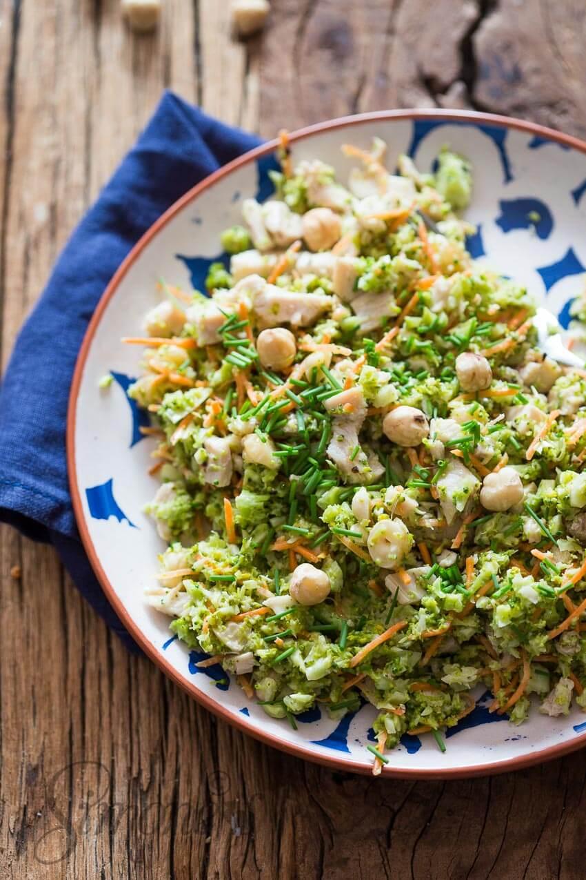 Broccolisalade met  hazelnootjes en kalkoen | simoneskitchen.nl