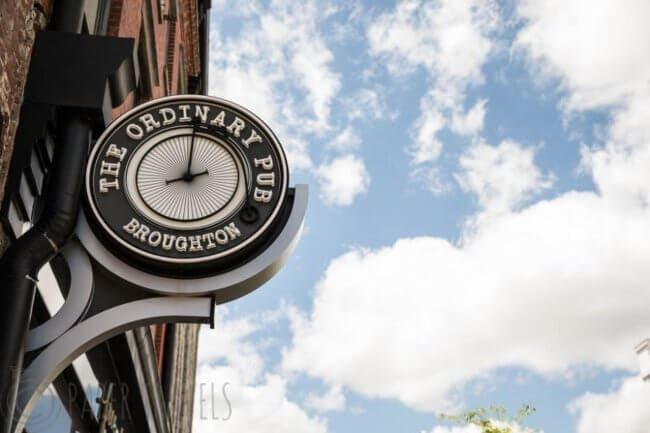 The ordinary pub, savanahh