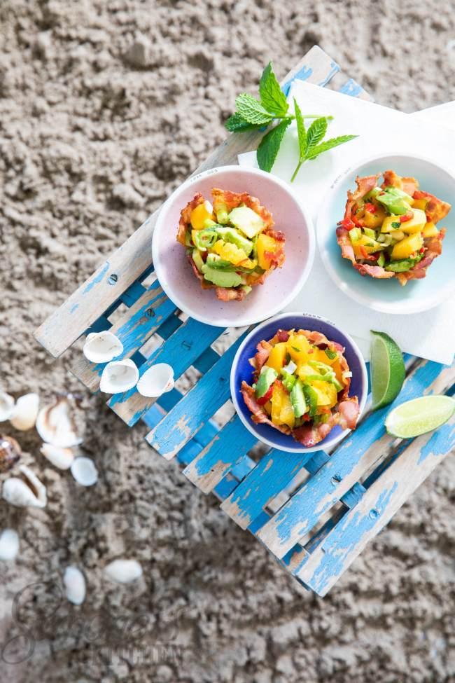 Lekkere spekbakjes gevuld met mangosalsa