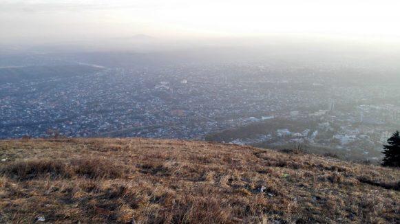 Der Blick über die Stadt Pjatigorsk (fünf Berge).