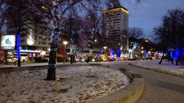 Weihnachts- bzw. Neujahrstimmung in der Hauptstadt kommt durch die schöne Dekoration auf.
