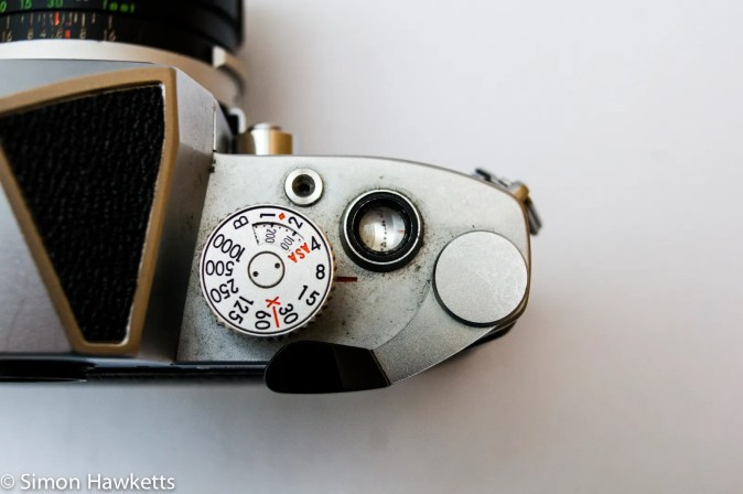 Miranda Sensomat RE 35mm slr camera showing film advance, shutter speed, iso and frame counter