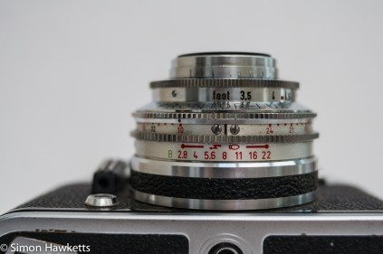 Voigtlander Vito automatic 35mm viewfinder camera showing aperture range scale
