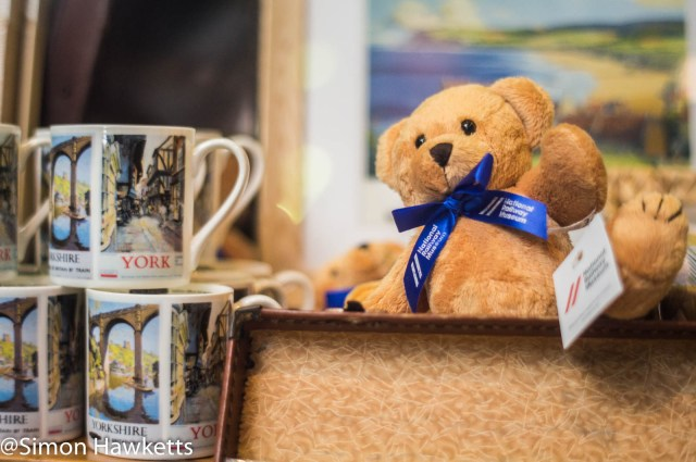 Nation Railway Museum pictures - A small bear waving in the gift shop
