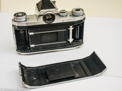 Praktica IV 35mm slr showing removable back