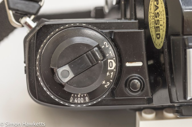 Minolta X-700 35mm slr exposure compensation and film speed dial
