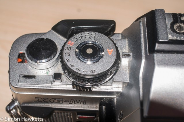 Minolta XG-M repair - undo the centre ring of the shutter button
