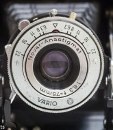 Zeiss Ikon Nettar II 517/16 front view of lens