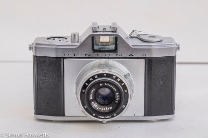Pentona II viewfinder camera front view