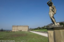 Chatsworth house pictures - statue and house