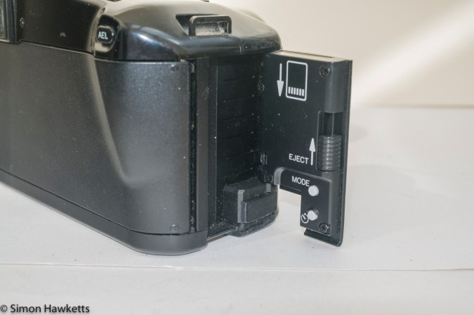 Minolta Dynax 5000i auto focus camera - card slot and buttons
