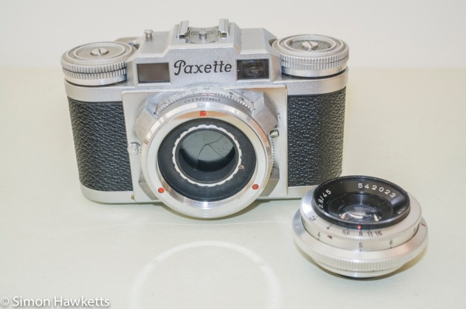 Braun Paxette viewfinder camera - Lens removed