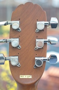 Ovation Applause AE-32 set of new tuners fitted