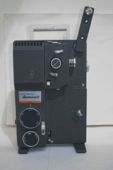 Chinon Universal 8 projector - Feed arm raised