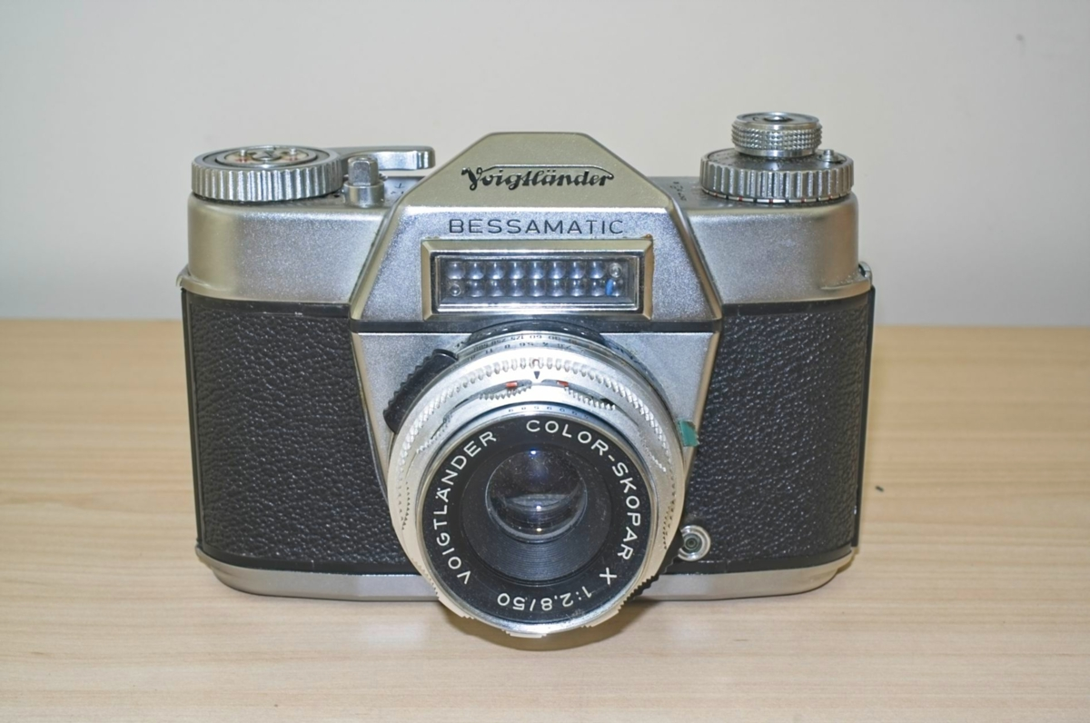 Voigtlander Bessamatic  SLR camera