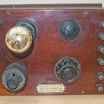 Joseph Baker Single valve radio: Top view of set