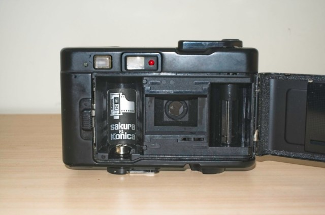Konica Pop 35mm Snapshot camera from 1982 2