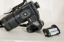 Olympus Camedia E-20p DSLR - battery compartment