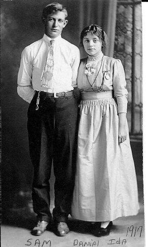 1917 Anabaptist woman