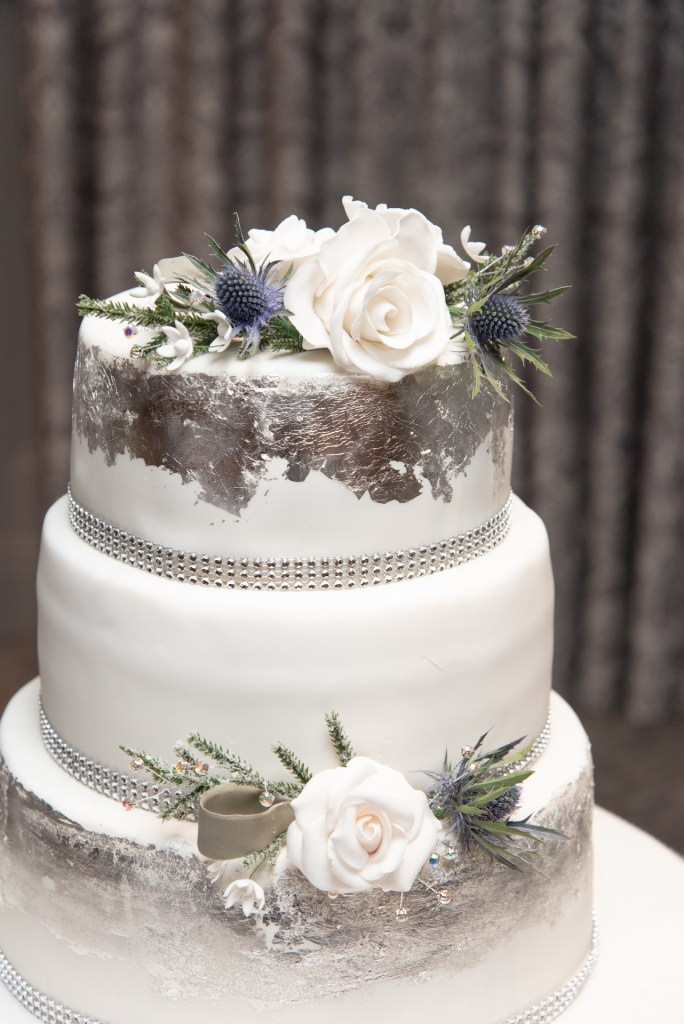 Elegant wedding cake 4