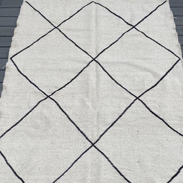 tapis berbere losange noir