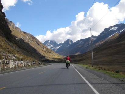 Towards 4.700 Metres Pass
