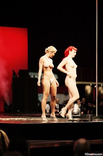 Erotica_2004_086