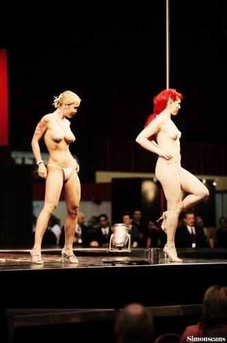 Erotica_2004_087