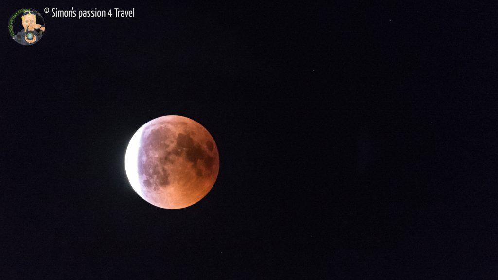 luna parzialmente eclissata