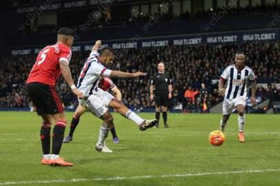 Jose Salomon Rondon of West Brom scores the winner against Man Utd